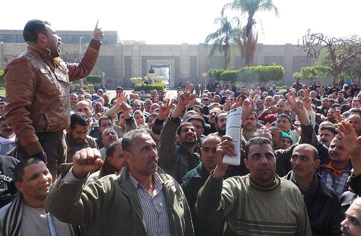 إضراب عمال المحلة .. هل تتكرر ثورة يناير مرة أخرى ؟