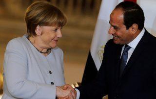 """السيسي يتفق مع ألمانيا على احتواء """"المهاجرين"""" داخل مصر"""