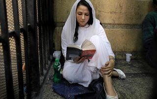 """لأول مرة.. آية حجازي تكشف كواليس اعتقالها ومصير مؤسسة """"بلادي"""""""