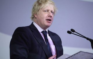 بريطانيا تحتجز العشرات من راغبي اللجوء في مناطق الصراع بليبيا