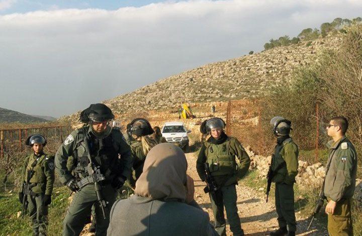 تجريف أراض فلسطينية لإقامة معسكر تدريبي للجيش الإسرائيلي