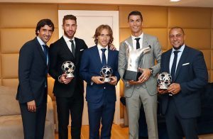 """قبل مواجهة فالنسيا.. ريال مدريد يحتفل بجوائز """"اليويفا"""""""