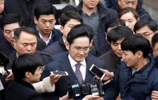 بتهمة الرشوة والاختلاس.. الحكم بسجن رئيس سامسونج خمسة سنوات
