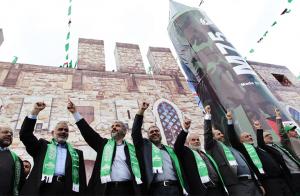 حماس تنفي مشاركتها في معارك مخيم عين الحلوة بلبنان