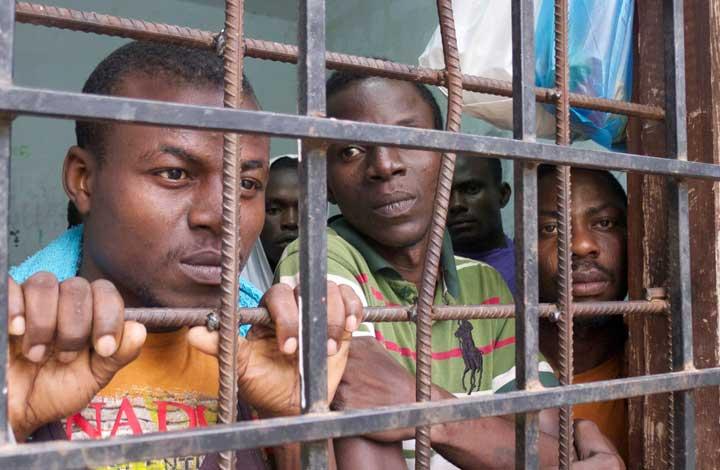 احتجاز المهاجرين في ليبيا