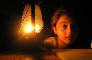 صحيفة: قوات تدعمها الإمارات تقطع الكهرباء عن عدن