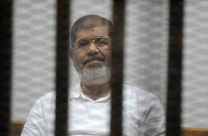 تأجيل محاكمة «مرسي» في «التخابر واقتحام السجون» لجلستي 24 و25 سبتمبر