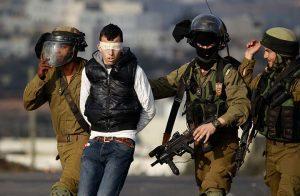الإحتلال الإسرائيلي يعتقل 18 فلسطينيًا من مناطق متعددة بالضفة الغربية