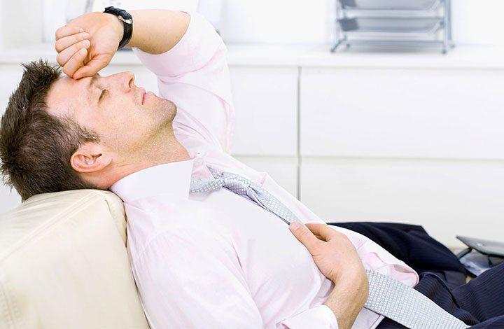 نصائح للتغلب على مشكلة الشعور المستمر بالتعب في العمل