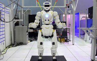 خبراء: الروبوتات تحل محل المعلمين في المدارس خلال سنوات