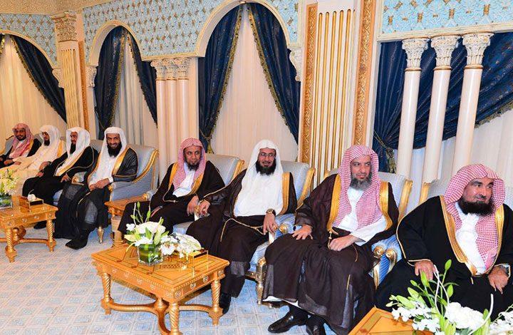 «هيئة كبار العلماء السعودية» تبارك وتؤيد قرارات اعتقال الدعاة في تغريدات عبر تويتر