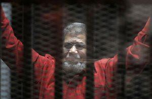"""مصر.. النقض تؤيد حكم المؤبد للرئيس مرسي في قضية """"التخابر مع قطر"""""""