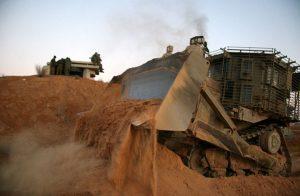 جرافات إسرائيلية تتوغل شرق مدينة غزة