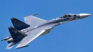 """طائرة من طراز """"سو - 35"""""""
