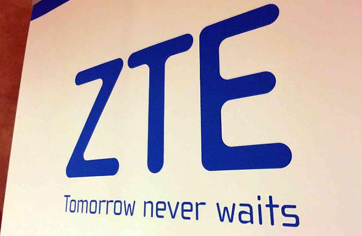 """شركة """"ZTE"""" تطلق أول هاتف ذكي بشاشتين """"قابل للطي"""""""