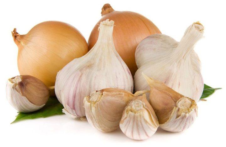 تعرف على فوائد الثوم والبصل.. يقيان من أمراض القلب والسرطان