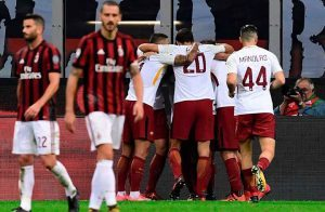 روما يسحق ميلان بثنائية في الدوري الإيطالي