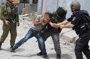 إصابات واعتقالات في مواجهات عنيفة مع قوات الاحتلال بالضفة الغربية