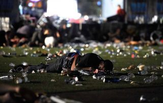 قتل وإصابة أكثر من 250 شخصا في هجوم مسلح على حفل موسيقي بأمريكا