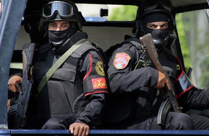«الداخلية المصرية» تصفي 3 شباب بجنوب القاهرة بدعوى انتمائهم لـ«حسم»