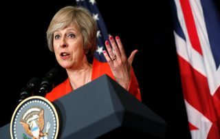 """الحكومة البريطانية تطالب """"واتس آب"""" بإلغاء الرسائل المشفرة"""
