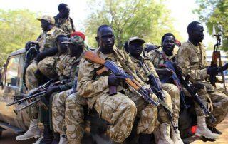 جيش جنوب السودان يرفع الإقامة الجبرية عن رئيس أركانه المقال