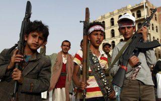 خوفا من الملاحقات الحقوقية..الحوثي يطالب أتباعه بالامتناع عن تصوير قتلى الأطفال المجندين