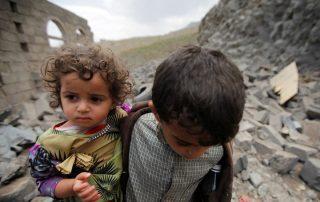 منظمة إغاثية: 50 ألف طفل يمني مهددون بالموت بسبب الحصار السعودي