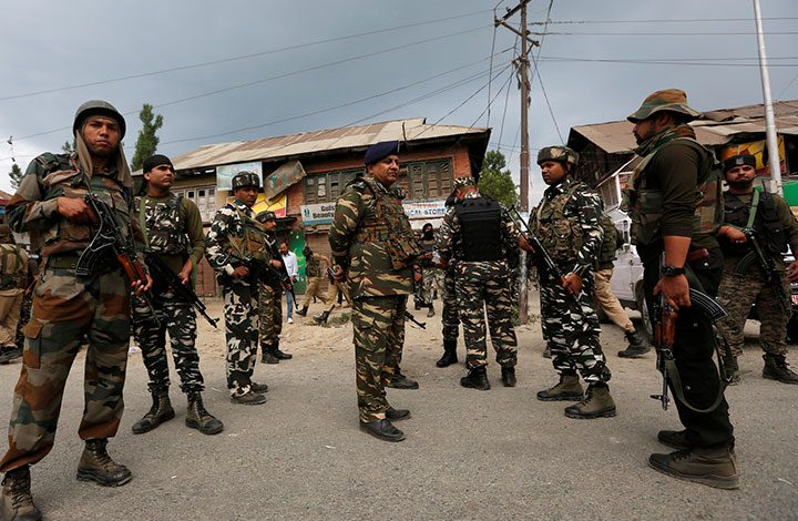 """مصرع قائد عسكري هندي و5 مسلحين في اشتباكات بإقليم """"كشمير"""""""