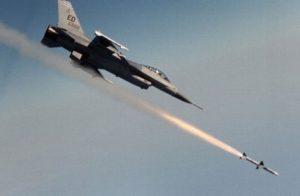 """أمريكا تعلن شن ضربتين جويتين على معاقل لتنظيم الدولة بـ""""ليبيا"""""""