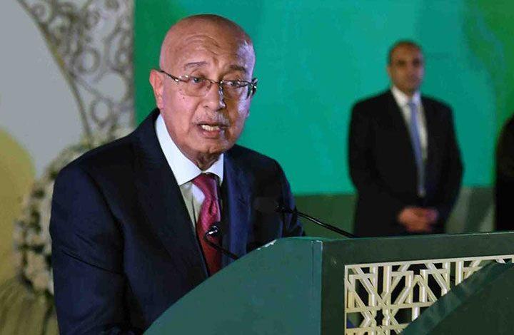رئيس وزراء مصر يغادر إلى ألمانيا للعلاج.. وتكهنات خليفته تتصاعد