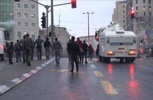 مركبة عسكرية إسرائيلية تتعرض لإطلاق نار من مجهولين وسط الضفة