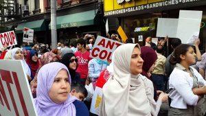 مظاهرات معارضة للسيسي خلال زيارته للخارج
