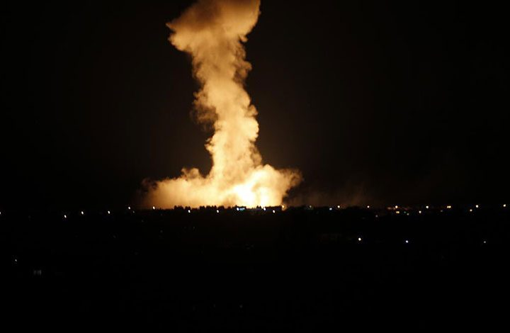ردًّا على إطلاق 3 قذائف صاروخية.. طائرات الاحتلال الإسرائيلي تقصف هدفًا للمقاومة جنوب قطاع غزة