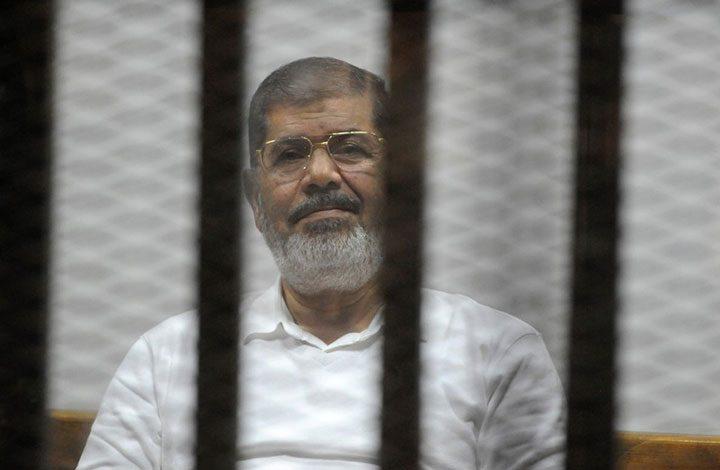 """لـ""""إهانة القضاء"""".. الحبس 3 سنوات لرئيس مصر الأسبق """"مرسي"""" و19 آخرين"""