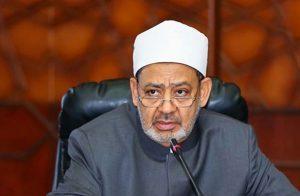 الطيب يصلي الجمعة بمسجد الروضة: المعتدون خوارج بغاة يجب قتالهم