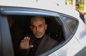 وفد من «حماس» برئاسة «السنوار» يصل إلى القاهرة لبحث ملف المصالحة