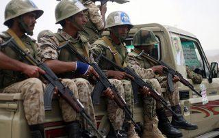 """تحشيد عسكري بين أنصار """"الحوثيين وصالح"""" في صنعاء"""