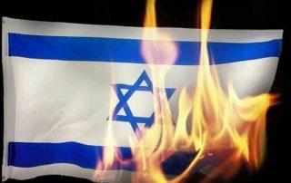 المتظاهرون في إندونيسيا يحرقون العلم الأمريكي والإسرائيلي أمام سفارة واشنطن