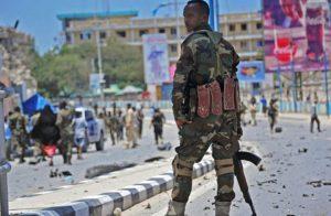 مقتل 13 فردا على الأقل في تفجير أكاديمية الشرطة بمقديشو