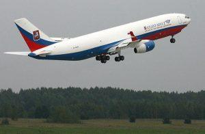 بعد توقفها لأكثر من عامين.. وزير الطيران المصري في موسكو لاستئناف الرحلات الروسية