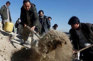 مقتل أكثر من 15 شخصا في هجوم على جنازة في شرق أفغانستان