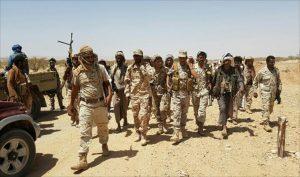 الحدود الجنوبية السعودية يقابلها بعض الجنود الحوثيين