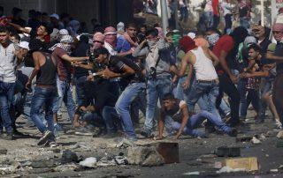 """في الجمعة السابعة للتظاهر ضد قرار """"ترامب"""".. إصابة 8 فلسطينيين برصاص الاحتلال"""