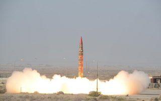 الخامس خلال أسبوعين.. السعودية تسقط صاروخًا حوثيًّا