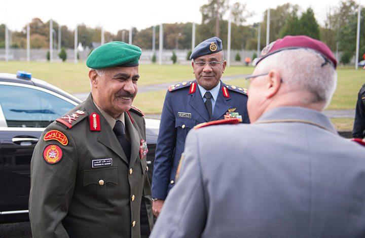 أثناء توجهه لبنجلادش.. نجاة رئيس الأركان الكويتي من تحطم مروحية