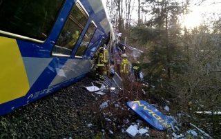 إيطاليا.. مصرع شخصين وإصابة 100 في حادث قطار
