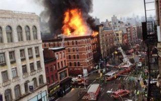 بينهم تسعة أطفال.. حريق جديد في نيويورك يوقع 24 جريحًا استمرّ 8 ساعات