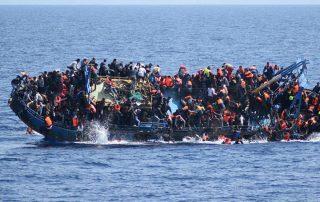 خلال محاولتهم الوصول إلى أوروبا.. غرق 192 لاجئًا في مياه البحر المتوسط منذ مطلع يناير
