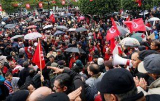 تونس.. احتجاز 800 شخص على خلفية التظاهرات المناهضة لرفع الأسعار في أسبوع